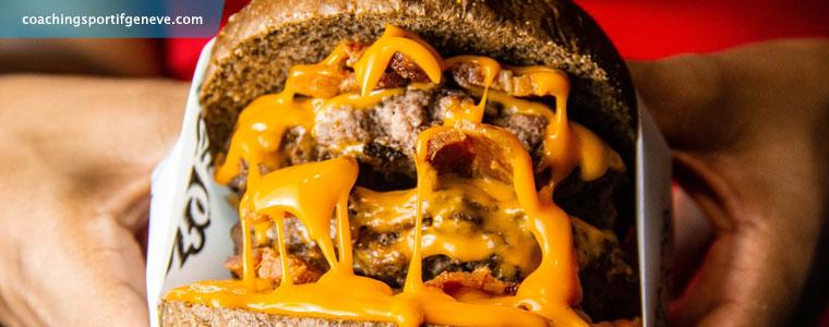 Coach minceur : Kébab, Pizza et plus généralement plats trop gras, trop salés ou trop sucrés sont les enemis du ventre plat